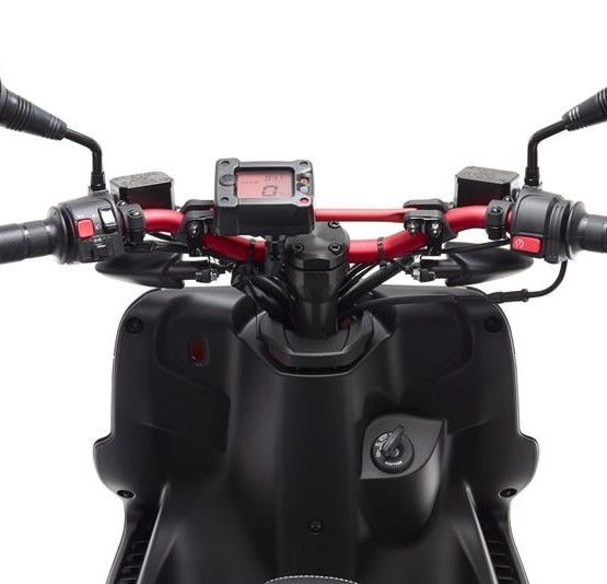 2015-Yamaha-AER50N-EU-Power-Black-Detail-002