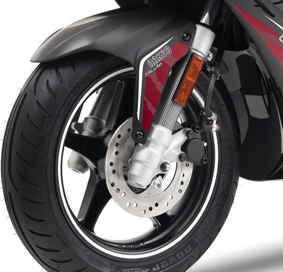 2015-Yamaha-AER50N-EU-Power-Black-Detail-006