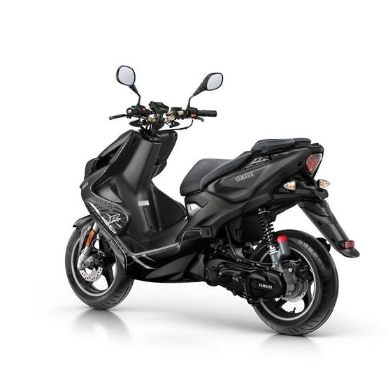 2016-Yamaha-AER50N-EU-Power-Black-Studio-005