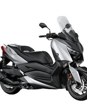 2018-Yamaha-XMAX400-EU-Blazing_Grey-Studio-001-03